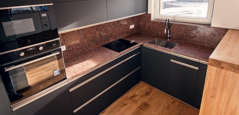 Kamenná kuchyňská deska